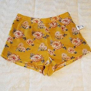 NWT Charlotte Russe floral shorts